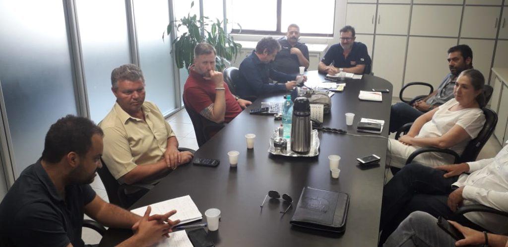 Sindicatos debatem pauta da Copel na sede do Senge-PR